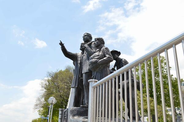 Detroit Riverwalk Statues_NRC
