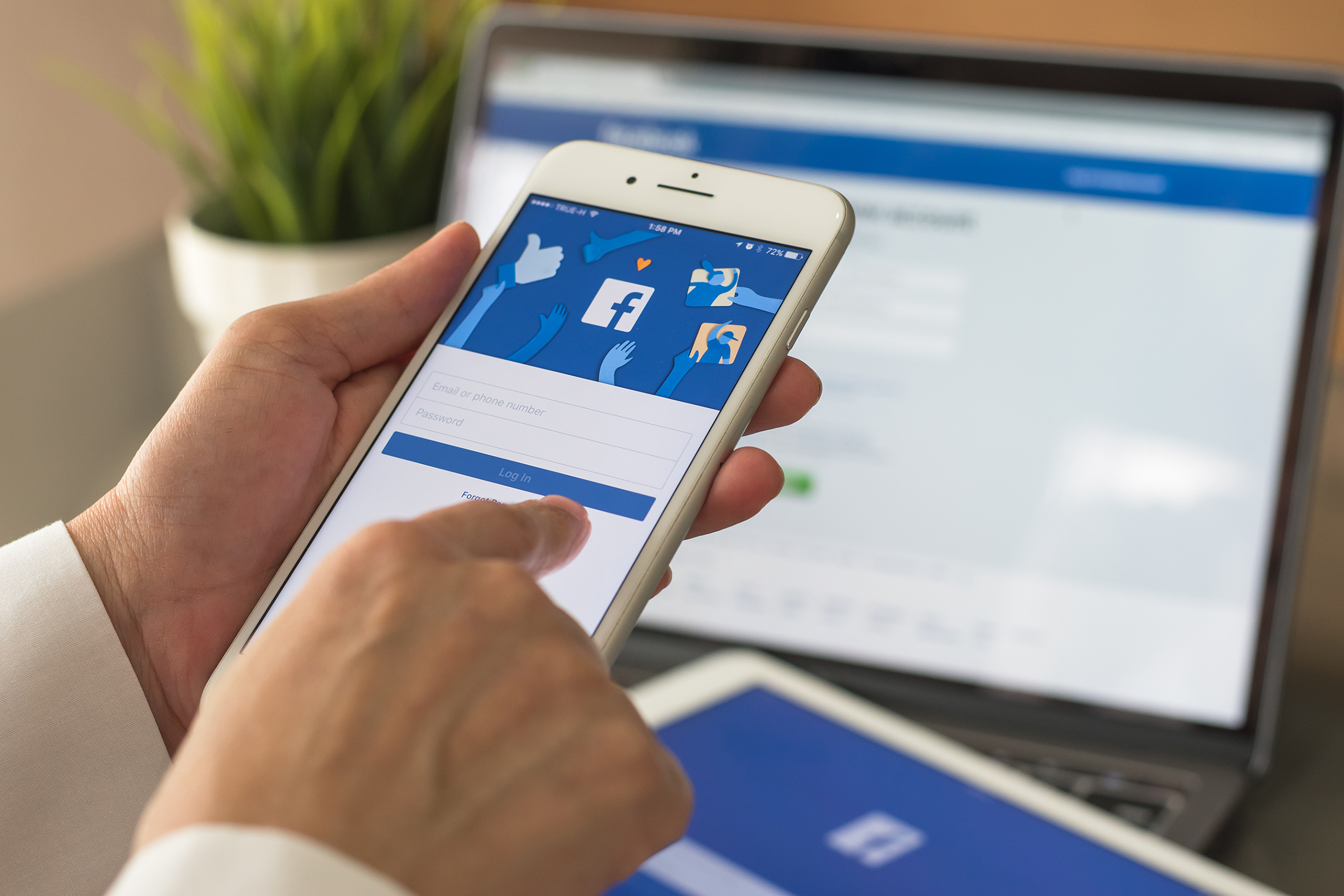 Top Ten Facebook Tips for Local Governments